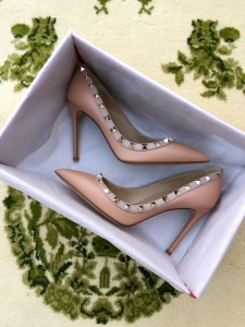 Valentino rockstud pointed toe pump in skin sorbet
