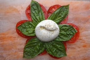 caprese-salad-with-burrata-cheese