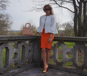 BCBG orange power skirt