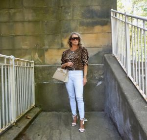 H&M leopard print puff sleeved blouse