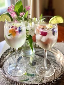 cocktail edible flower ice cubes